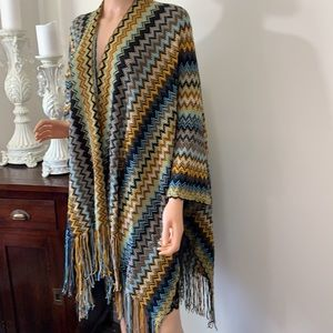 CLEO gorgeous shawl like new condition